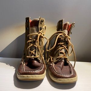 Sperry high tops with orange inside